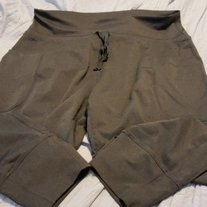 Fabletics Cropped Joggers